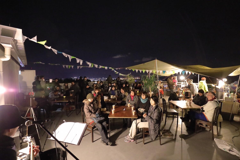 夜市で音楽を演奏したい