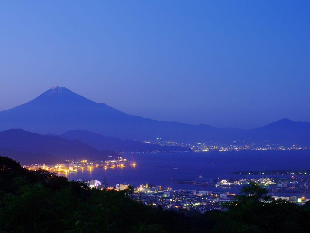 日本平夜市、なにげなく静岡新聞で紹介されてました。 投稿スタッフ:遠藤雅士
